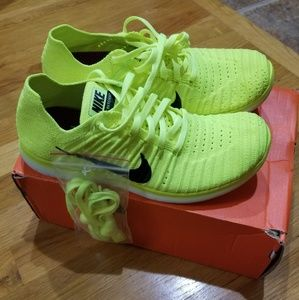 NWT Nike Wmns Free RN Flyknit Running Shoes